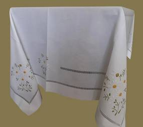 Toalha de mesa de linho bordada a mão - bordados da lixa: Pedido Fabricação 1 Toalha 100x100  cm ( Largura x comprimento )